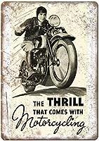 Motorcycligのポスターに付属するスリルレトロな外観のメタルサイン
