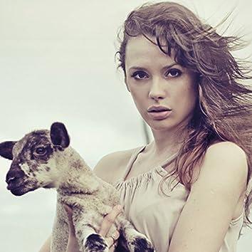 Lia and the Lamb, Vol. 1