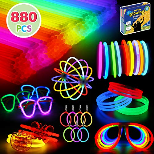 880 Pcs Glow in the Dark Party Favors -Includes Glow Sticks Bulk(7 Colors) and Connectors to Create Balls, Flowers, Glasses, Bracelets, Necklaces, Earring and More -for Kids and Adults Party Supplies
