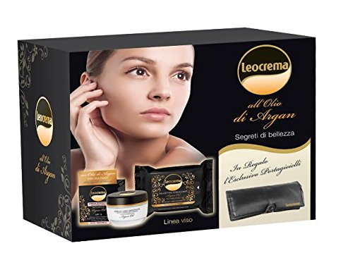 Box set face cream - moisturizing face cream 50ml + cleansing wipes + jewellery box