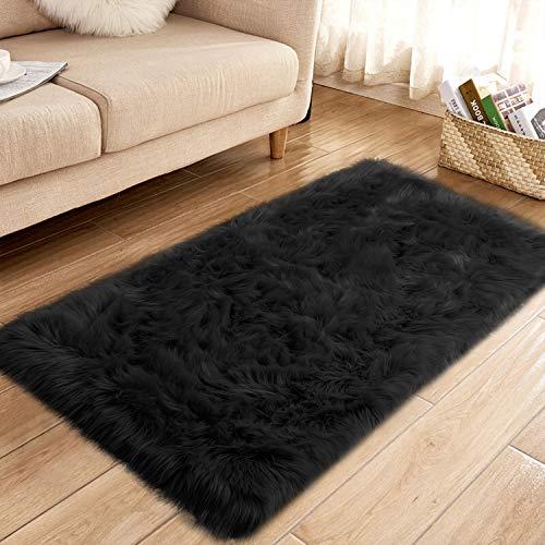 YJ.GWL Super Soft Faux Sheepskin Fur Area Rugs for Bedroom Floor Shaggy Plush Carpet Faux Fur Rug Bedside Rugs, 2.3 x 5 Feet Rectangle Black