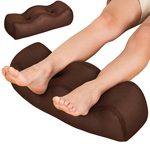 アストロ 足枕 足楽 まるごと洗える 通気性に優れたメッシュ素材 疲れた足を優しくいたわります 304-21