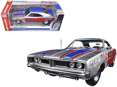 1969 Dodge Charger R T (Dick Landy) [AutoWorld AW228] Argent, 1 18 Die Cast