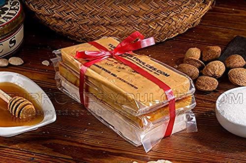 """Lote de 3 Turrones artesanos """"La Terreta"""", 900 gramos – Turrones Fabián - Pack de Turrón (3 x 300 gramos). Formado por 3 barras o tabletas de Turrón artesano: Jijona blando, Alicante duro y Yema Tostada. Denominación de Origen Jijona-Alicante. Envuelto para regalo - Principales Ingredientes: Turrón de Alicante; Almendra (65%), Miel (21%). Turrón de Jijona; Almendra tostada (70%), miel (19%). Turrón de Yema Tostada; Almendra (32%), yema de huevo (16%) - Elaborado En Jijona, Alicante."""