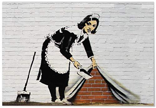 Panorama Aluminium Frame Banksy Sweep it Under the Carpet 70 x 50 cm - Gedrukt in Hoogwaardig Dibond Wit Aluminium - Banksy Frames - Moderne Frames - Schilderijen Decoratie Lounge en slaapkamer