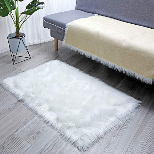 HLZHOU Soft Fluffly Faux Fur Sheepskin Rug White Chair Cover Seat Pad Floor Area Rug for Bedrooms Living Room Kids Rooms Decor (2x3 Feet (60 x 90cm), Square White)