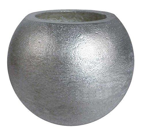 Bougie de cire , de jardin en plein air. Bougie de Noël. Vela en forme de sphère, blanc, en or et argent Elle est éclairée par une lampe à l'intérieur, il est inclus. Si vous aimez décorer avec des bougies, vous pouvez combiner différentes formes et couleurs des bougies, des fleurs comme sphère bougie, bougie parfumée pot de bougie ou roue en étoile. Ici, vous trouverez de nombreuses façons de combiner et vous donner la lumière. Petite bougie de balle mesure 8 cm (argente)