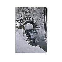 冬 PUレザー 第4世代 iPad 10.9ケース ブック型 雪の季節の写真早朝の非常に冷たい川に架かる小さな木製の橋 スタンド機能 オートスリープ機能付き ース
