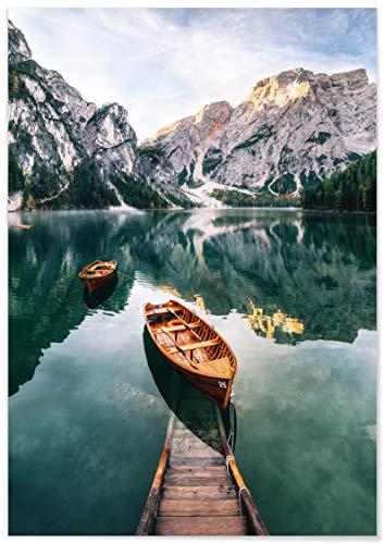 Panorama Póster Lago de Braies Italia 50 x 70 cm - Láminas Decorativas Pared - Impreso en Papel 250gr - Cuadros Paisajes - Póster Naturaleza - Cuadros Decoración Salón