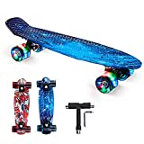 Skateboard Enfant, 22″(56cm) Mini Skateboard Ado avec PU Roues Lumineuse en Haute Qualité PP , Roulement ABEC-11 et Outils en T, Mini Cruiser pour Fille,Garçon,Adulte,Débutan (Bleu)