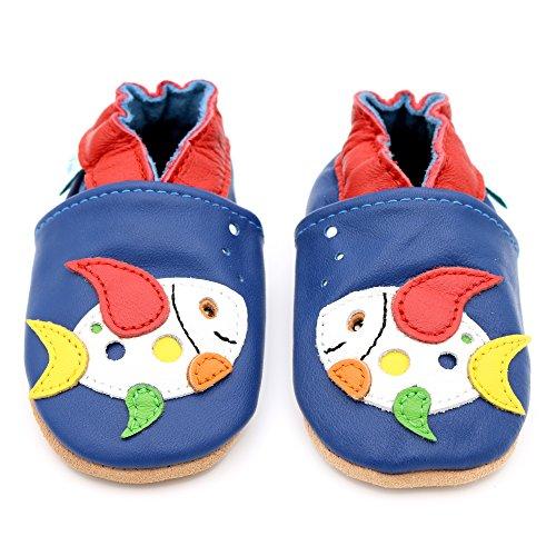 Dotty Fish weiche Leder Babyschuhe mit rutschfesten Wildledersohlen. 12-18 Monate (21 EU). Heller Blauer Schuh mit mehrfarbigem Fisch Design. Jungen und Mädchen. Kleinkind Schuhe.