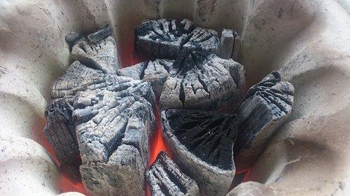 岩手県木炭協会『岩手切炭 なら樫一級』