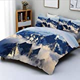 Juego de funda nórdica, paisaje de montañas majestuosas con pico de cocina con nube de niebla y tierra, juego de ropa de cama de 3 piezas con decoración fotográfica, 2 fundas de almohada, blanco, azul