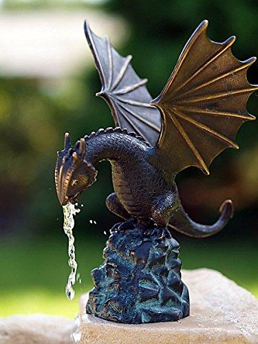pompidu-living Wasserspeier Drache auf Fels, Bronzeguss