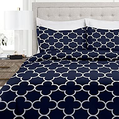 Italian Luxury Clover Pattern Duvet Cover Set - 3-Piece Ultra Soft Double Brushed Microfiber Printed Cover with Shams - King/California King - Navy/White