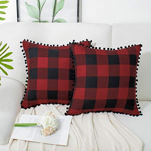 PiccoCasa Kissenbezüge, dekorativ, klassisch, Retro-Karomuster, mit Bommel, Quaste, für Sofa, Couch, Bett, 45,7 x 45,7 cm, 2 Stück rot / schwarz