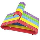 Ossian - Appendiabiti colorati per bambini, in plastica, colori assortiti, con barra per pantaloni e ganci, sicuro e flessibile, per armadi e armadi, 24 grucce, Da bambini