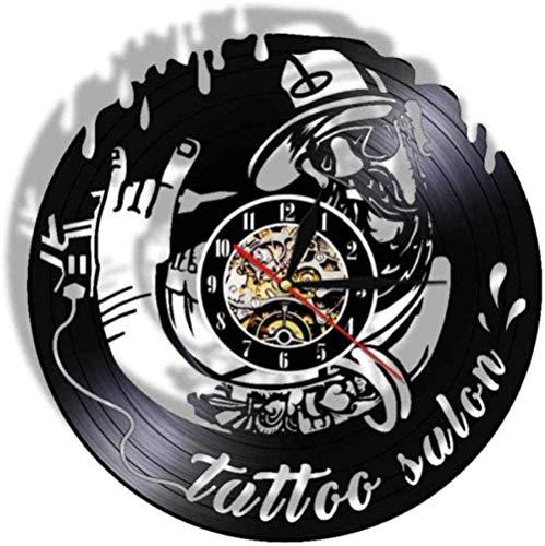 Reloj de pared de vinilo Diseño de salón de tatuajes vintage Reloj de pared con registro de vinilo Arte del tatuaje Máquina de tatuaje Estudio de tatuajes Decoración Reloj colgante de pared Reloj 30Cm