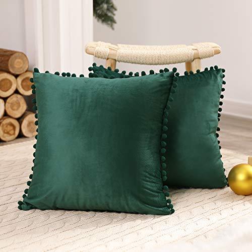 Deconovo Fundas de Cojines Almohadas Terciopelo Suave Decorativa Hogar con Pelota para Sofás Dormitorio Pack de 2 65 x 65 cm Verde Oscuro