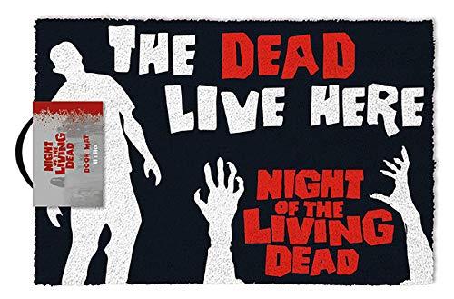 Close Up Felpudo La Noche de los Muertos Vivientes. The Dead Live Here