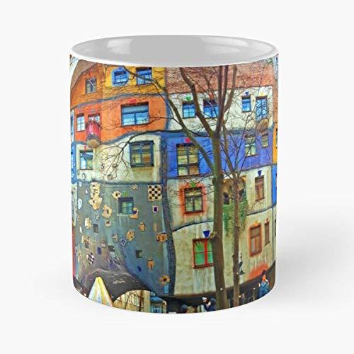 Hundertwasser House Vienna Classic Mug