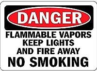 危険可燃性蒸気は光と火を遠ざけます喫煙壁はありません錫サイン金属ポスターレトロプラーク警告サインヴィンテージ鉄の絵画の装飾オフィスの寝室のリビングルームクラブのための面白い吊り下げ工芸品