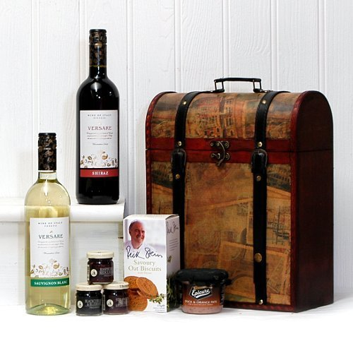 2 x 750ml Versare Red and White Wine with Nibbles - Presented in a Vintage Style Food Hamper