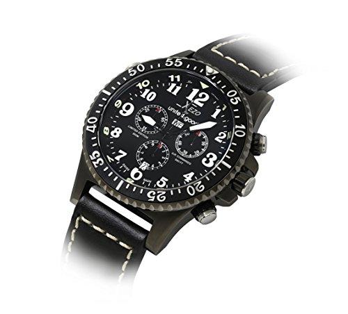 Xezo Herren Air Commando D45-LB Swiss Quartz Pilots Taucheruhr Schwarz Lederband Chronograph Tag, Datum. Wasserdicht bis 30 Bar