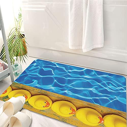 Alfombra de baño, Alfombra Absorbente Antideslizante, Amarillo y azul, lindos patos de goma alineados cerca de la piscina Azure Wat, Alfombra de baño de Microfibra esponjosa, avable a máquina 50x80 cm