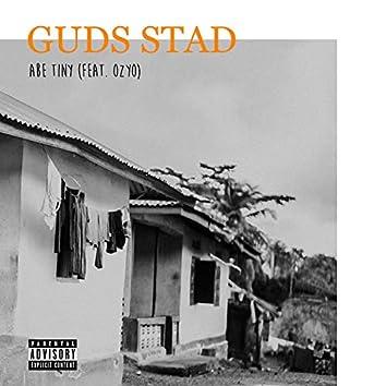 Guds stad (feat. Ozyo')