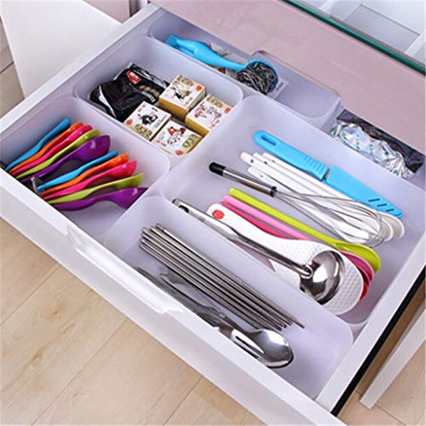 Desk Drawer Organizer Tray Dividers,Quaanti Adjustable Drawer Kitchen Cutlery Divider Case Makeup Storage Box Home Organizer for Stationery/Makeup/Cutlery/Everything Small Office Supplies (M)