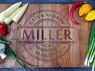 Personalisiertes Schneidebrett Handgefertigt mit Monogramm. Frühstücksbrettchen Hochzeit Geschenke für das Paar Brot Schne...