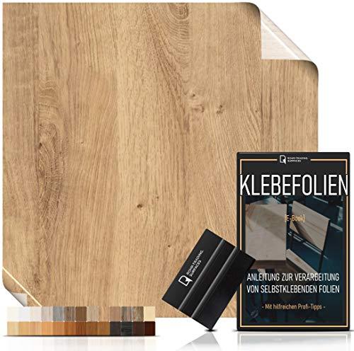 Klebefolie in Holzoptik [WUNSCHMAß – bis zu 15m AM STÜCK] inkl. Rakel & eBook I Selbstklebende Holz Folie für Möbel & Küche – hitzebeständig & abwaschbar I Ablösbare Möbelfolie Eiche rustikal