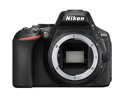 Nikon D5600 Digital SLR im DX Format (24,2 MP, 3,2 Zoll/8,1 cm dreh- und neigbarer Touch-Monitor, SnapBridge, AF mit 3D-Tracking, Full-HD Video incl. Zeitraffer bis zu 50p/60p, ISO 100-25.600)