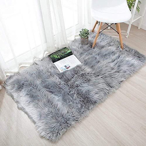 QINGLOU Peau de Mouton synthétique,Cozy Sensation comme véritable Laine Tapis en Fourrure synthétique, Fluffy Soft Longhair Décoratif Coussin de Chaise Canapé Natte (Gris, 75 x 120cm)