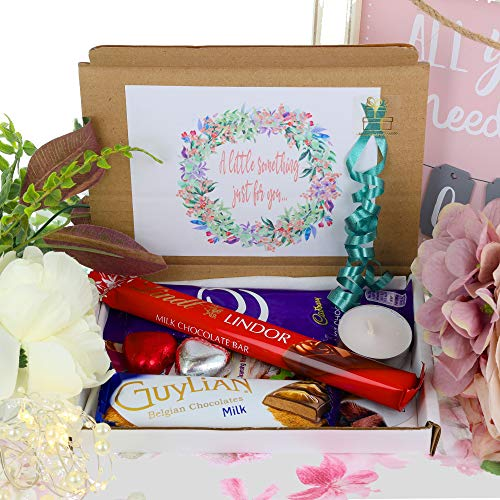 Chocolate Lover Beauty Pamper Hamper Treat Box Gift for Her Sweets Letterbox Gift Hug in a Box Personalised for Birthday, Christmas, Thinking of You, Relax & Treat Yourself (Small)