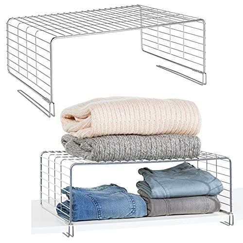 mDesign Juego de 2 cestas metálicas para armarios – Moderno separador de estantes de metal para ropa con 2 niveles – Organizador de armarios para dormitorio, cocina, pasillo y oficina – plateado