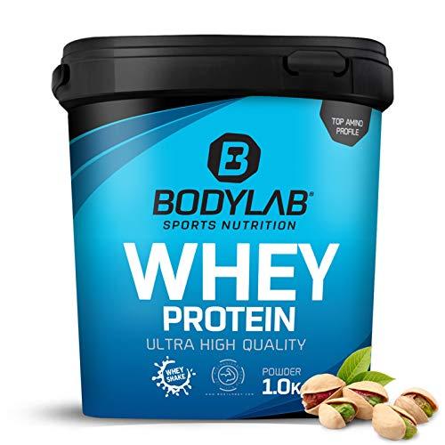 Protein-Pulver Bodylab24 Whey Protein Pistazie 1kg / Protein-Shake für Kraftsport & Fitness / Whey-Pulver kann den Muskelaufbau unterstützen / Hochwertiges Eiweiss-Pulver mit 80{8b643bd2e048e3027d86732200c43dd0d46ef6454e30c833e6d11dabec0cc796} Eiweiß / Aspartamfrei