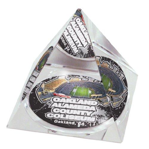 NFL Oakland Raiders Alameda Coliseum FB in 5 cm Kristallpyramide mit farbigen Fenstern in Geschenkbox