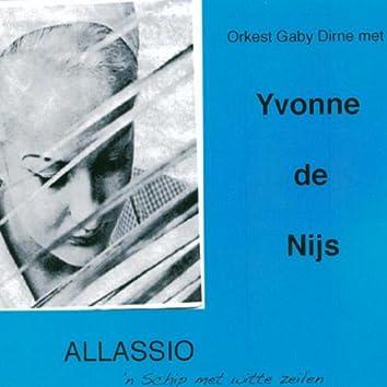 Allassio / 'n Schip Met Witte Zeilen