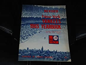 1965 NEW YORK YANKEES OFFICIAL REVISED BASEBALL YEARBOOK MICKEY MANTLE EX
