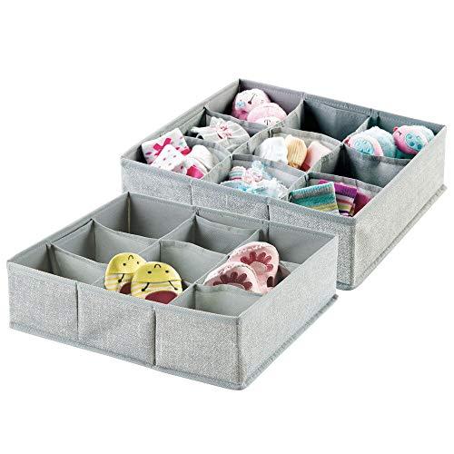 mDesign – Organizador para bebés – Juego de dos cajas organizadoras con nueve compartimentos para calcetines, baberos, etc. – Organizador de juguetes y articulos de bebés – Color: gris