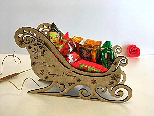 Personalisiert Schlitten mit Familiename, Weihnachtsmann im Holz Schlitten Weihnachtsdeko 2020 Neujahr, Weihnachtsschmuck, Geschenk für Familie, Ihr WunschText Hier, Graviert, Kindergeschenke