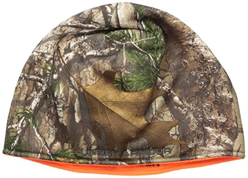 This gift ideas for hunters will help him keep his head warm while hunting.