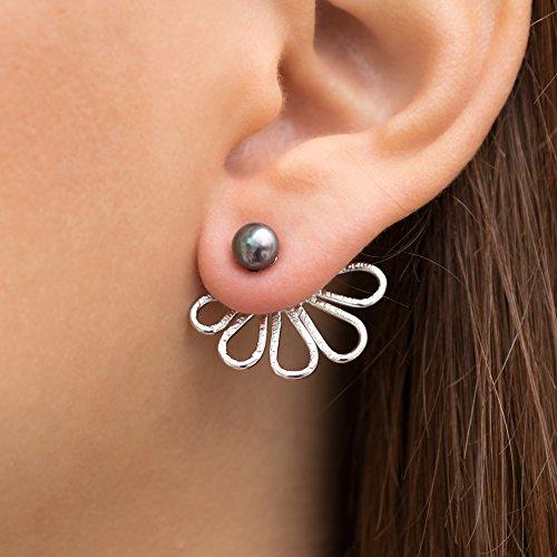 Ohrjacke Blumenohrringe aus Sterlingsilber mit perlen, Statement-Minimal Ohrringe vorne und hinten, ungewöhnliche Ohrstecker für Frauen, handgefertigter Blumenschmuck von Emmanuela