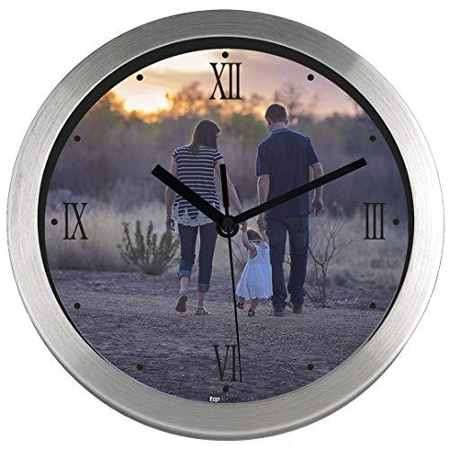 Gran Reloj de pared PERSONALIZADO (con Logo, Foto o Imagen) · Carcasa de Aluminio Cepillado (Esfera C) · Mecanismo Silencioso · Reloj Cocina Pared con 4 Números Romanos · Incluye Caja Regalo