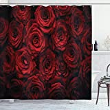 Alvaradod Dunkelroter Duschvorhang,Bild von roten Rosen mit Wassertropfen Blühender Strauß der Liebe & Leidenschaft,Stoff Stoff Badezimmer Dekor Set mit,Schwarzrot mit 12 Plastikhaken 180x180cm
