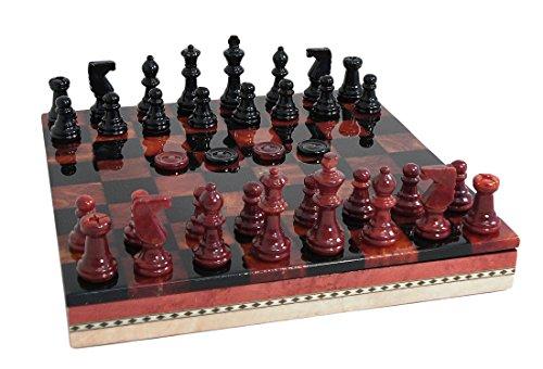 Conjunto de ajedrez con incrustaciones de alabastro negro y rojo