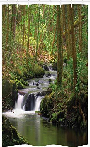 ABAKUHAUS Fluss Schmaler Duschvorhang, Wald über moosigen Felsen, Badezimmer Deko Set aus Stoff mit Haken, 120 x 180 cm, Apfelgrün Umbra
