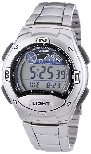 Incluye luz LED, cronómetro, temporizadores, 5 alarmas, indicadores de fase lunar y de mareas Tiene calendario automático, función de despertador y formato de 12/24 horas Caja de acero inoxidable y resina y correa de acero inoxidable con cierre de se...